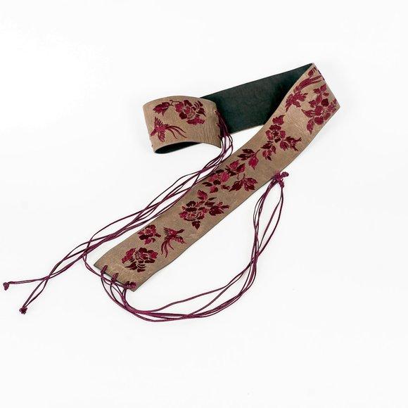 NWOT embroidered geisha type belt